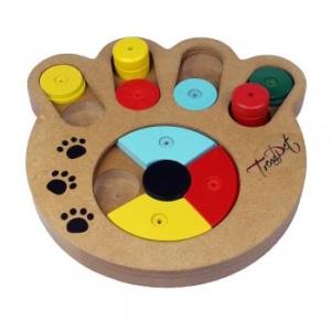 Der Pomeranian findet auch Gefallen an anspruchsvolleren Intelligenzspielzeugen
